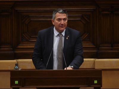El conseller Sàmper presenta al Parlament el Decret llei que permet la creació de 245 noves places de Mossos d'Esquadra