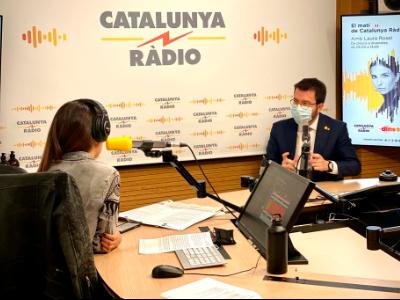 Foto del vicepresident durant l'entrevista a Catalunya Ràdio