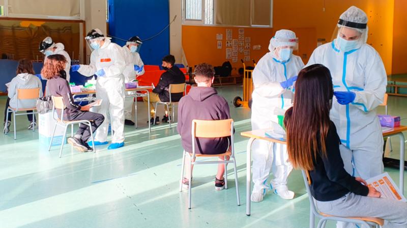 Les intervencions a les escoles de l'Atenció Primària Metropolitana Sud han permès fins ara identificar 2.581 positius i fer 41.875 estudis de contactes