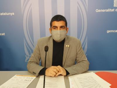 El conseller Chakir el Homrani en roda de premsa