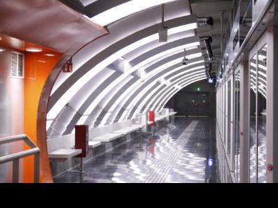 dissabte, 23 novembre 2019 13:51 Gerard Artigas Pla general de l'andana de l'estació Ciutat de la Justícia de la L10 Sud del metro de Barcelona (Horitzontal) fOTO ARXIU