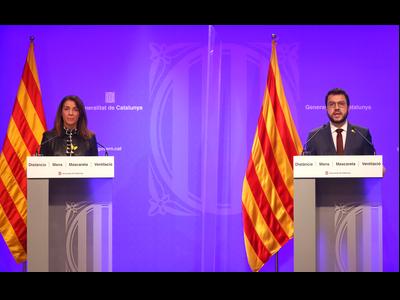 El vicepresident Aragonès i la consellera Budó, durant la declaració institucional. Autor: Rubén Moreno