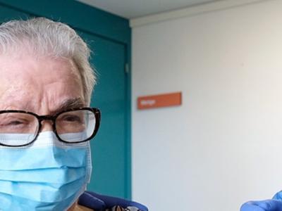 La primera persona vacunada contra la Covid-19 a Catalunya, Josefa Pérez, rep la segona dosi