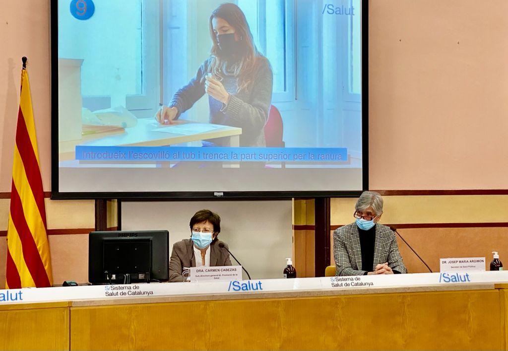 La Dra Cabezas i el Dr. Argimon durant la roda de premsa
