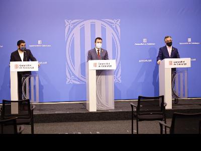 El vicepresident Aragonès i els consellers Tremosa i El Homrani durant la roda de premsa