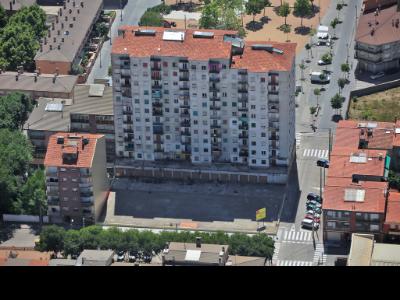 Vista aèria dels 128 habitatges del barri de Can Garcia de Manlleu (Osona).