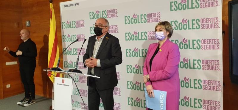 El conseller d'Educació i la consellera de Salut durant la roda de premsa.