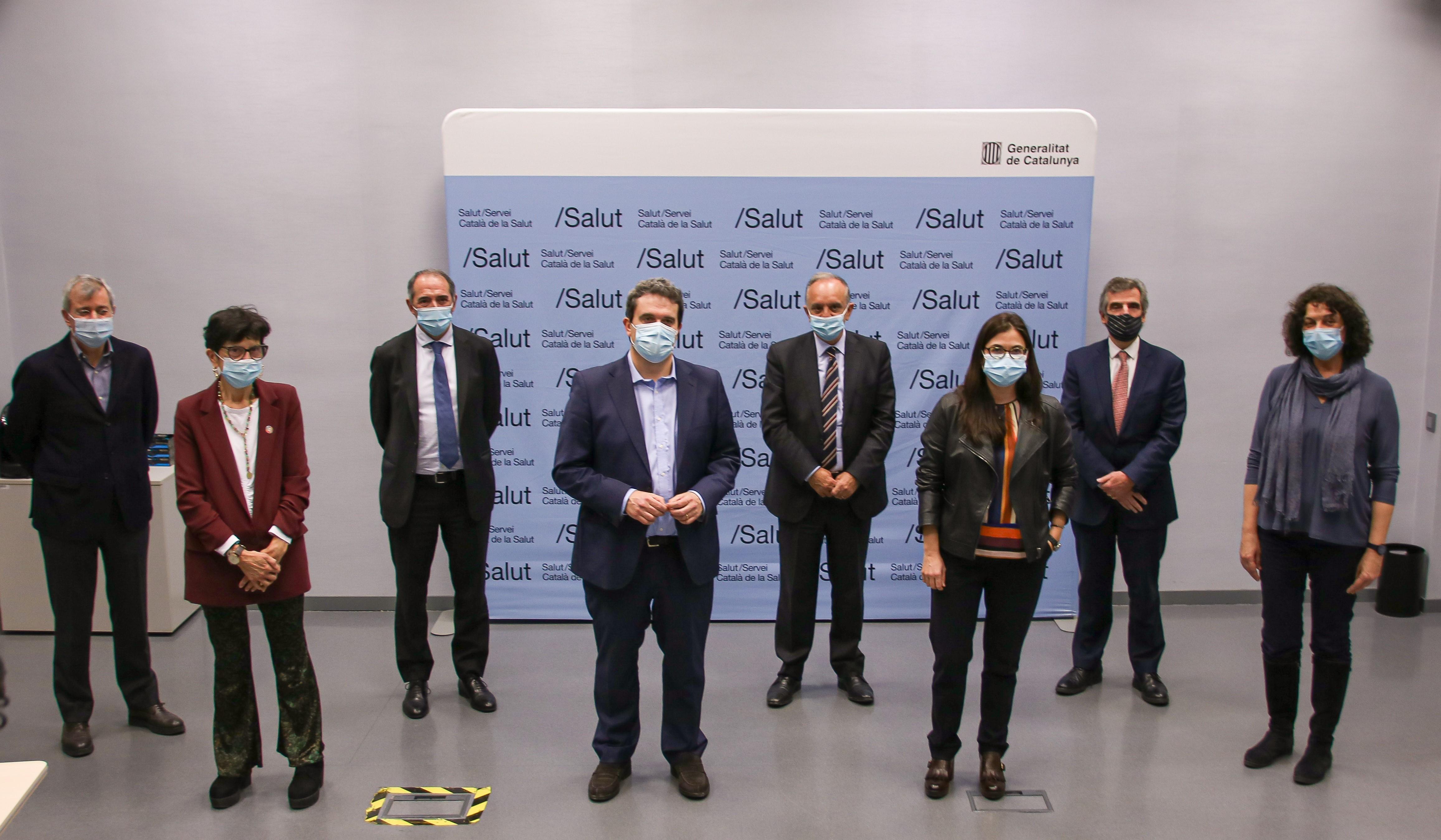 Imatge de grup dels signants del protocol.
