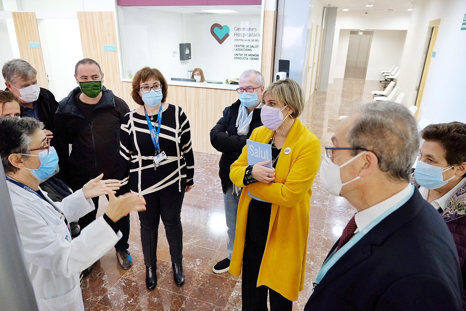 La consellera Vergés durant la visita d'inauguració del nou equipament