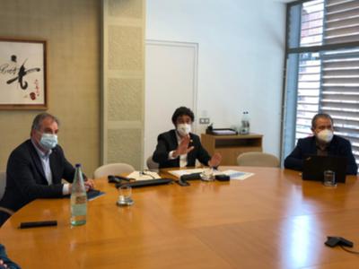 Fotografia de la trobada amb mitjans.