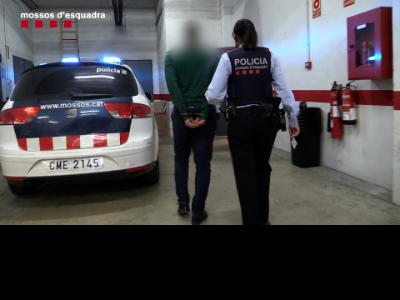 Detenció del responsable i dos treballadors de la companyia de Santa Coloma per un delicte de falsificació documental