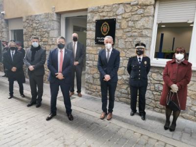 El conseller Sàmper posa en valor la tasca dels cossos de policia local de Catalunya en la visita a les noves dependències policials de Puigcerdà