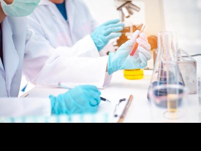 El Govern finança amb 7'15 milions d'euros un total de 32 projectes de recerca sobre la Covid-19