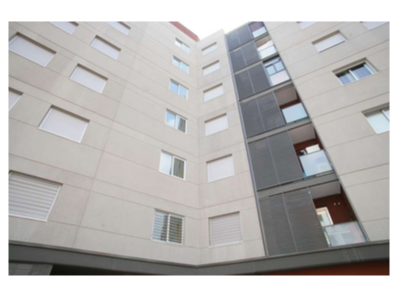 Imatge de recurs d'un edifici de pisos.