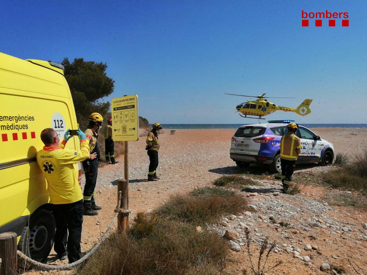 Imatge d'un dels rescats efectuats avui a l'Ametlla de Mar.