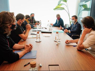 Fotografia del vicepresident, Pere Aragonès, en la reunió amb les entitats que promouen la sostenibilitat