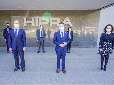 Fotografia del vicepresident, Pere Aragonès, durant la visita a l'empresa Hipra