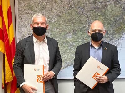 El director d'INCASÒL i el president del CSCAE a l'acte de signatura del conveni.
