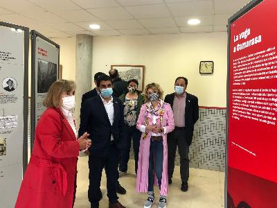 El conseller visita l'exposició a Camarasa