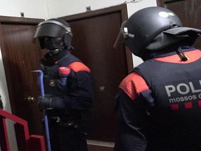 Els Mossos d'Esquadra resolen un narcoassalt a Rubí que va acabar amb la mort d'un dels quatre assaltants a la plantació