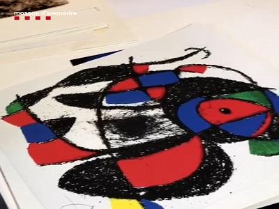 Els Mossos detenen un home que venia obres d'art falses per Internet
