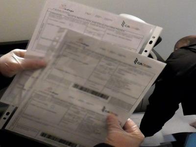 Detinguts a Barcelona un home i una dona per falsificació de receptes mèdiques i tràfic de fàrmacs a través d'empreses de distribució de paqueteria i missatgeria