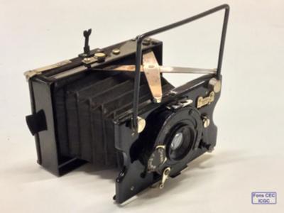 Càmera plegable de plaques. Fotografia: fons CEC-ICGC.