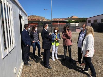 La consellera d'Agricultura visitant els mòduls prefabricats d'Aitona destinats a aïllar ràpidament possibles casos positius de Covid