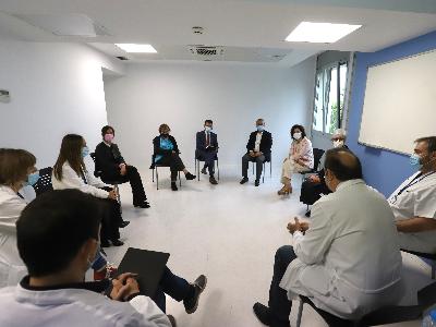 El president Aragonès, en un moment de la reunió amb els responsables del centre