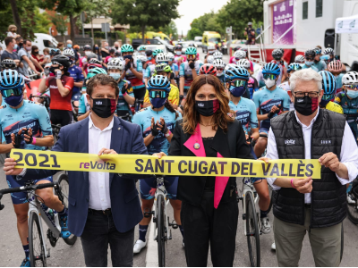 La consellera Vilagrà dona el tret de sortida a la Volta Ciclista femenina a Catalunya