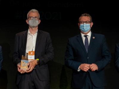 El director d'Aeroports de Catalunya, Jordi Candela, recollint el premi.