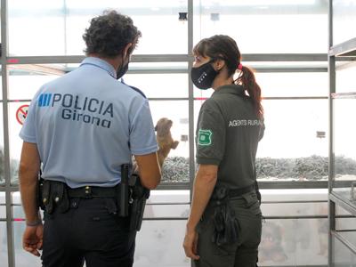 Agents de la policia municipal i el Cos d'Agents Rurals