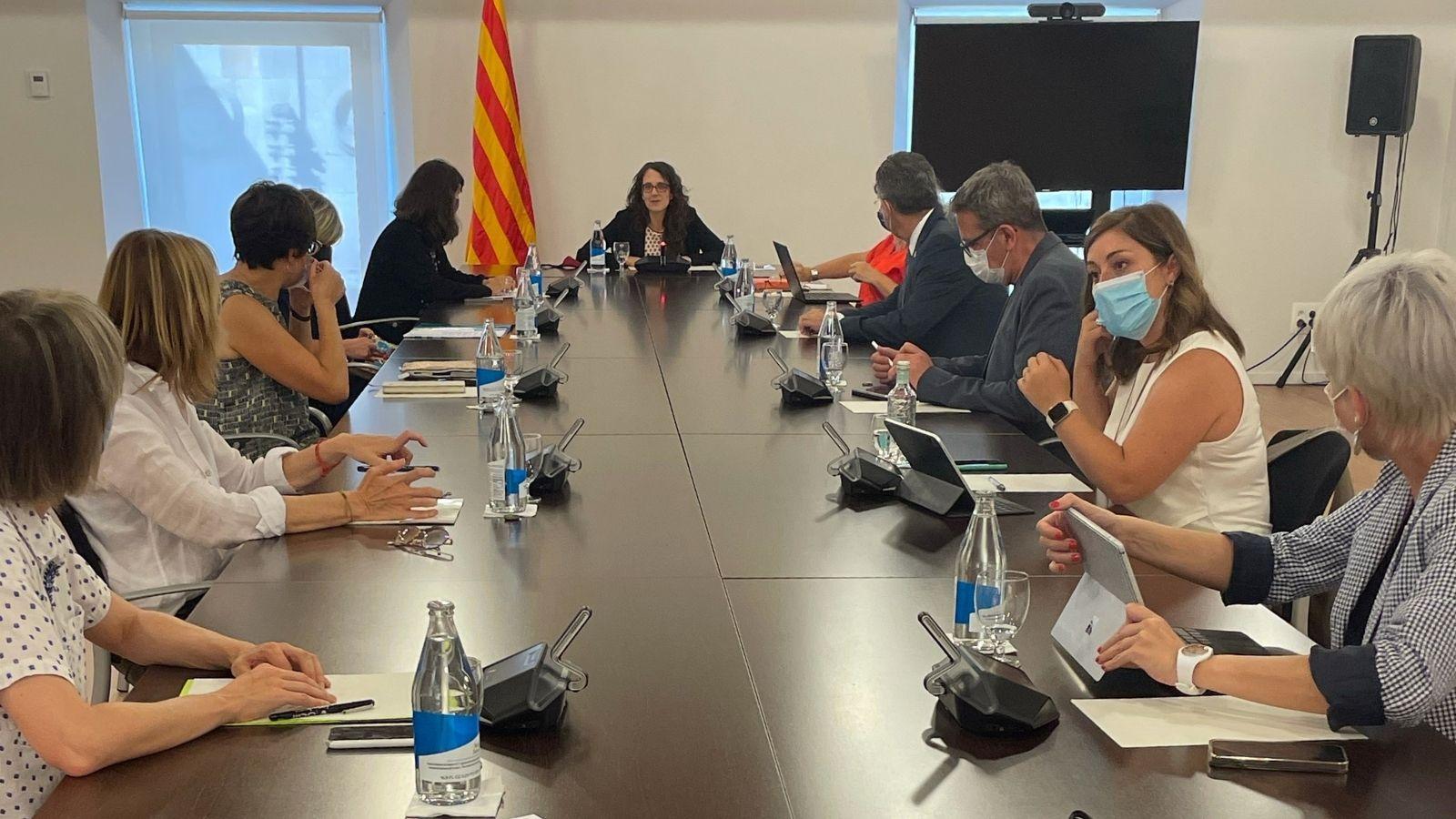 Reunió Conselleria d'Igualtat i Feminismes i diputacions