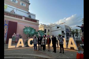 Les autoritats a la inauguració de l'exposició de La Cubana a Sitges