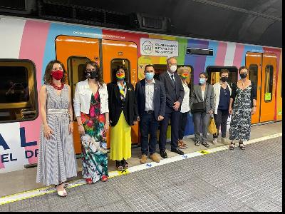 Inauguració d'un tren d'FGC vinilat amb motiu del  Dia Internacional per l'Alliberament LGBTI+