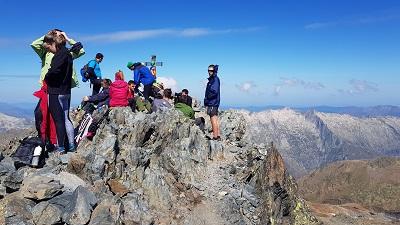Excursionistes a dalt de la Pica d'Estats