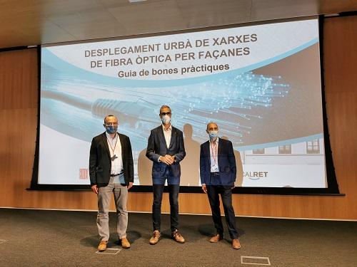 Presentació de la 'Guia de bones pràctiques del desplegament urbà de xarxes de fibra òptica per façanes'