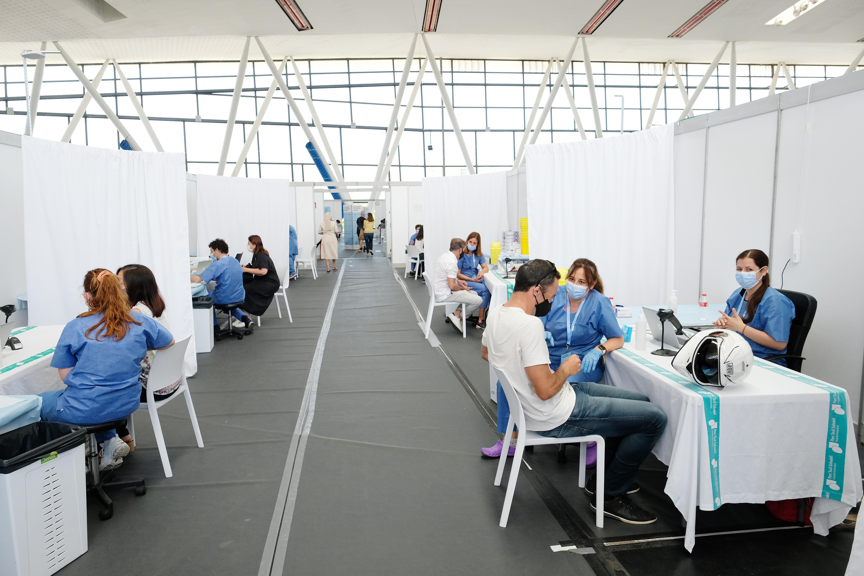 Vacunació de persones a Sabadell, en una imatge recent.