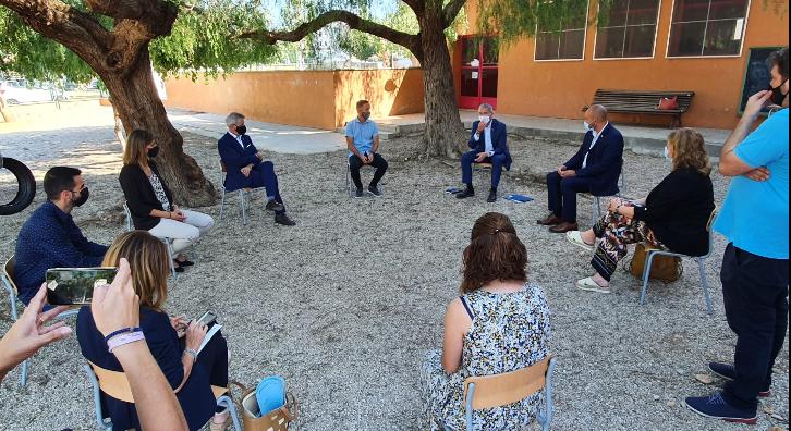 Reunió a l'Escola Soriano Montagut