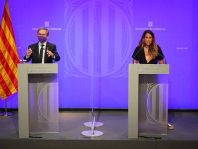 El conseller Giró i la portaveu Plaja durant la roda de premsa posterior a la reunió del Consell Executiu