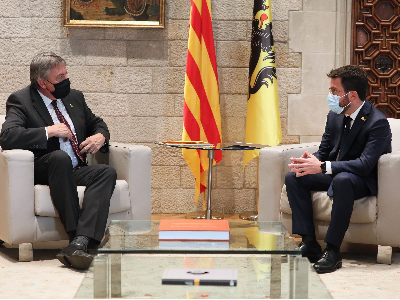 El president de la Generalitat durant la reunió amb el ministre-president de Flandes. Autor: Jordi Bedmar
