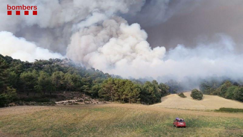 Aspecte del núvol sobre la zona de l'incendi