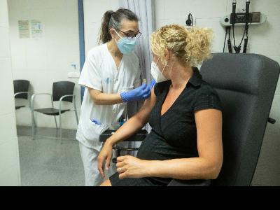 Augmenta un 85% la vacunació en les dones embarassades a Catalunya