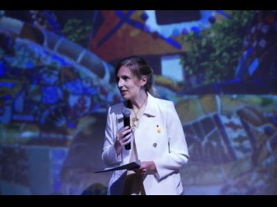La consellera Alsina durant la celebració de la Diada a París
