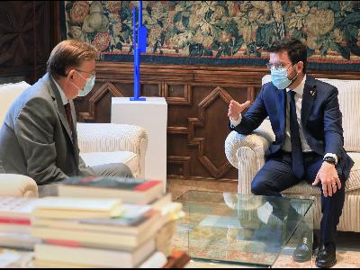 Els presidents Pere Aragonès i Ximo Puig, durant la reunió. Autor: Jordi Bedmar