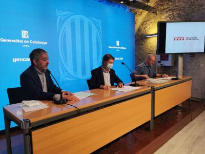 El Director dels Serveis Territorials d'Interior a Girona, Jordi Martinoy, el Director de la Direcció General de Prevenció i Extinció d'Incendis i Salvaments, Joan Delort, i el cap de la Regió d'Emergències de Girona, Jordi Martín, durant la roda de premsa d'aquesta tarda.