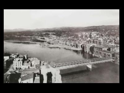 L'antic pont metàl·lic sobre el riu Ebre, a Tortosa.