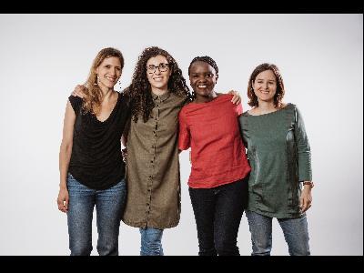 D'esquerra a dreta: Eva Polío, Cristina Torres, Laida Memba i Clara Guasch, fundadores de Cocoro.