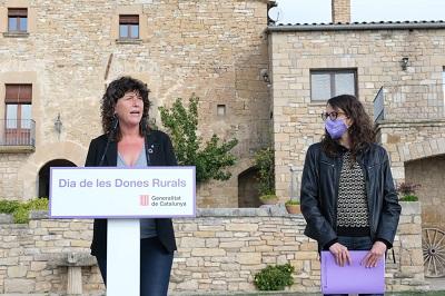 Les conselleres Verge i Jordà en un moment de l'acte del Dia de la Dona al Món Rural