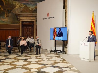El president Aragonès durant l'acte de commemoració de l'Any Triadú (foto: Paco  J. Muñoz)